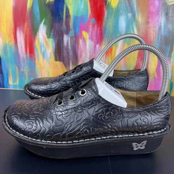 !SOLD! Alegria Abbi Black Rose Embossed Lace Up